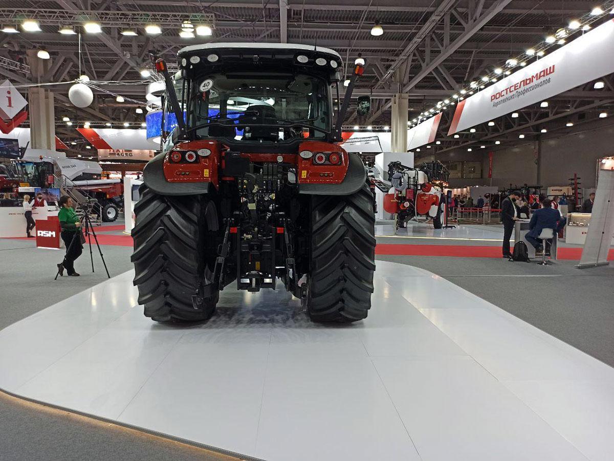 Новый трактор RSM 1370 от Ростсельмаш