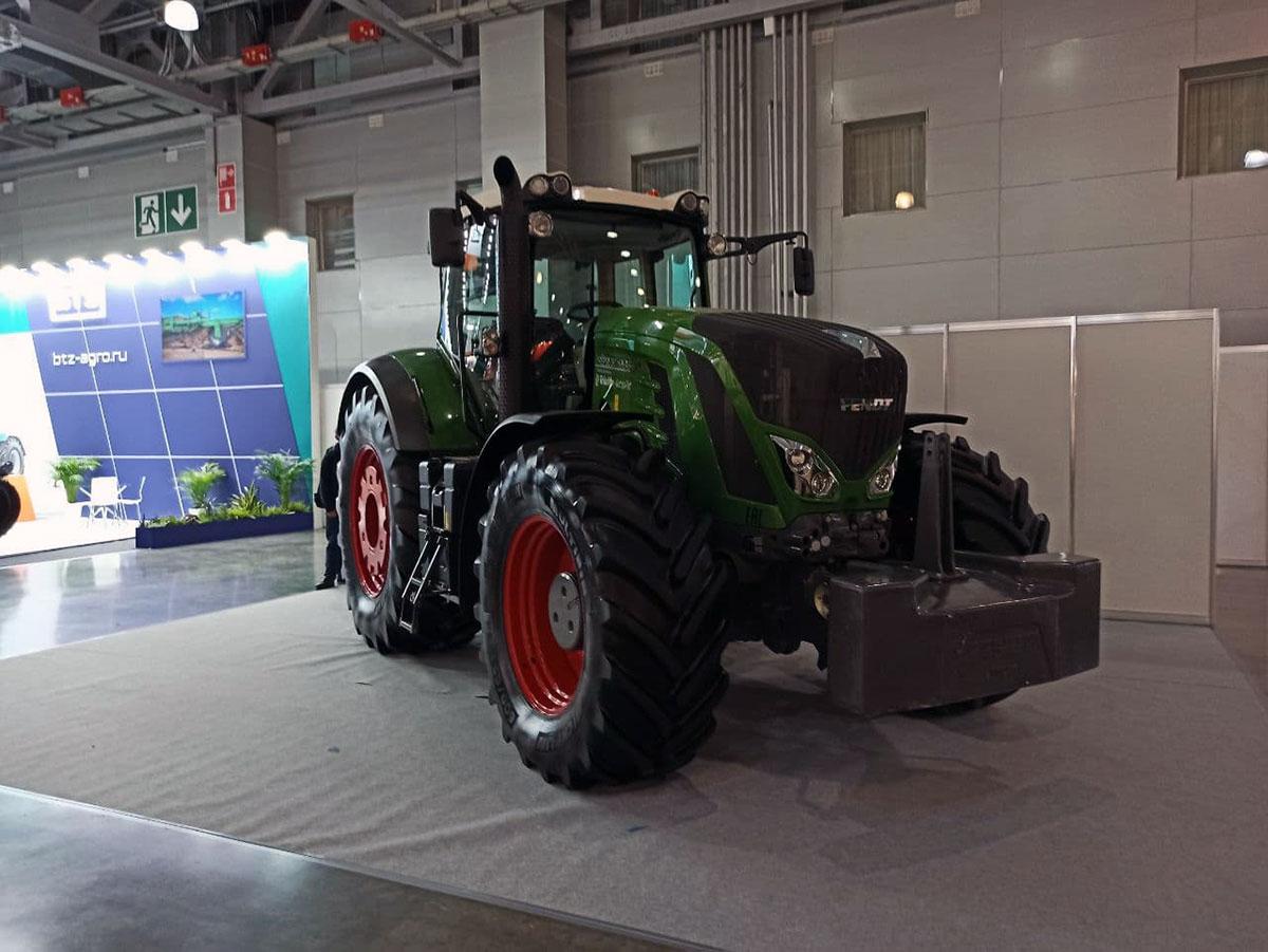 Трактор Fendt Vario 700
