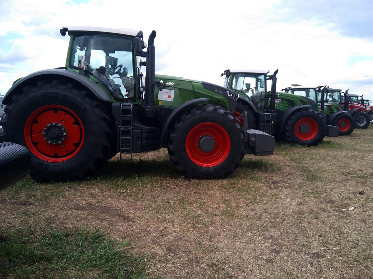 Трактор Fendt Vario 1050